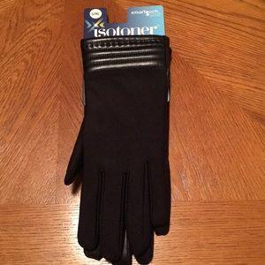 NWT Isotoner women's gloves.